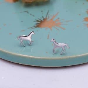 Boucles d'oreilles en argent de cheval au galop
