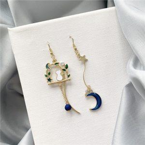 Boucles d'oreilles fantaisie chat avec étoile et lune 2